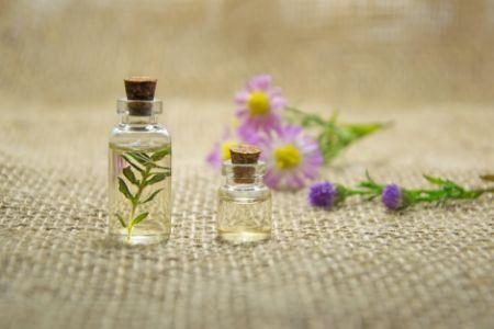 Zdjęcie dla posta Olejki eteryczne – kosmetyki naturalne w walce z komarami