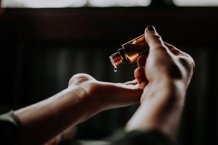 Zdjęcie dla posta Masaż skóry twarzy i jego dobroczynne właściwości